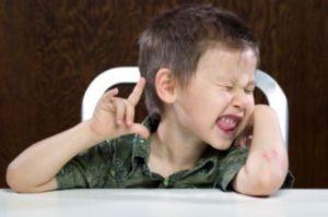 Tic-nervosi-nei-bambini-le-cause-alla-base-del-problema