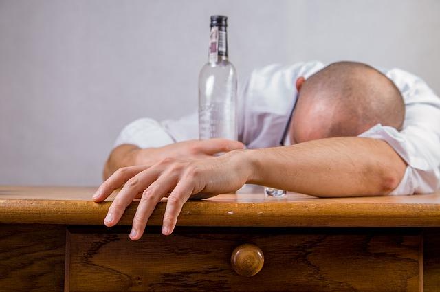 alcolismo psicologia